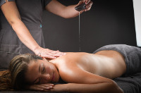 Relaxing body massage - 20 mn